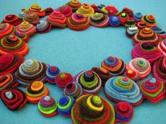 Felt_circles_colorful_2